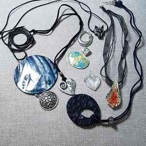 Lot of 9 pendants and necklaces